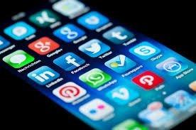 5 aplicatii care te ajuta sa cunosti oameni noi